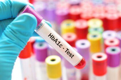 نمونه خون برای تست HbA1c در لوله درب بنفش (EDTAدار)
